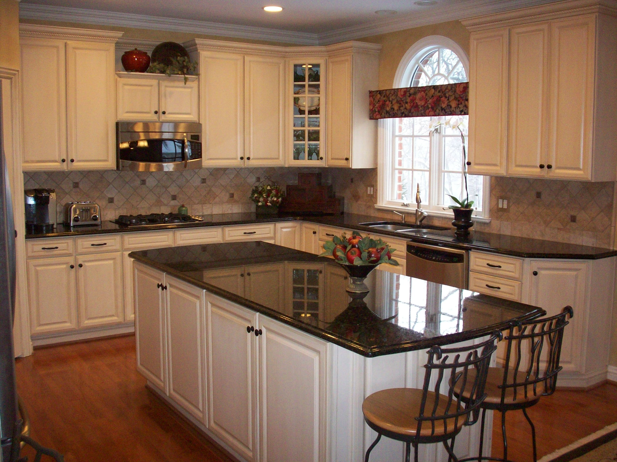 Living Room And Kitchen Color Portfolio Nelson Kitchen Bath In Mars Pennsylvania Serving