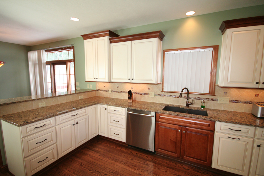 New Pittsburgh Kitchen Completed Medallion Cabinetry In A Two Tone